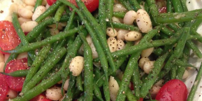 green and white bean salad