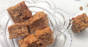Date and banana snack cake