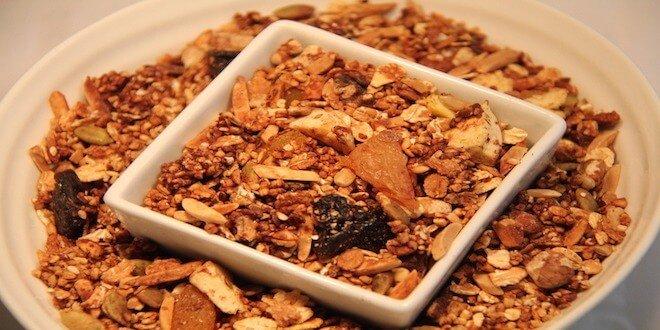 Snack feature Granola
