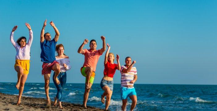 people-running-beach-